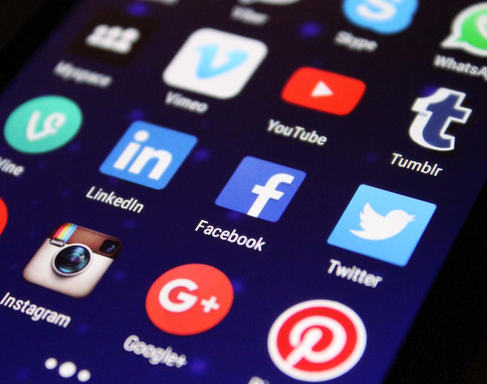 Fortalezas y debilidades en el uso de las vías digitales
